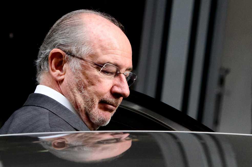 Exvicepresidente español ingresa en prisión y pide perdón por sus errores