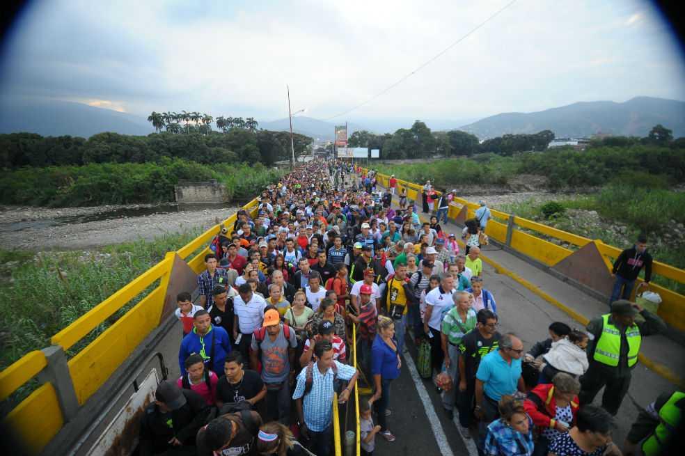 ONU anuncia plan para ayudar a países que reciben venezolanos