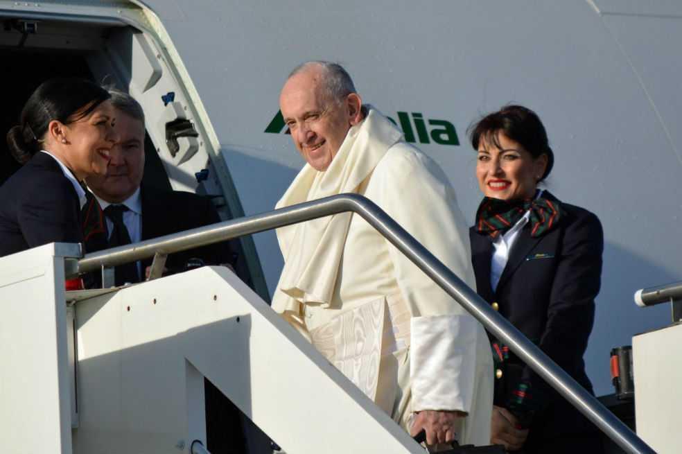 Papa emprende viaje a Panamá para participar en Jornada Mundial de la Juventud