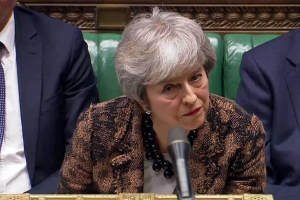 May insiste en renegociar el acuerdo del «brexit», Bruselas guarda silencio