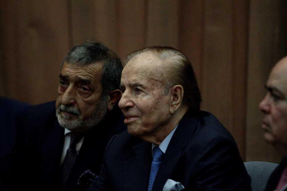 Expresidente argentino, Carlos Menem, condenado a tres años de prisión