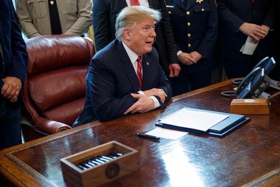 Trump vetó decisión de Congreso que ponía fin a su «emergencia nacional»