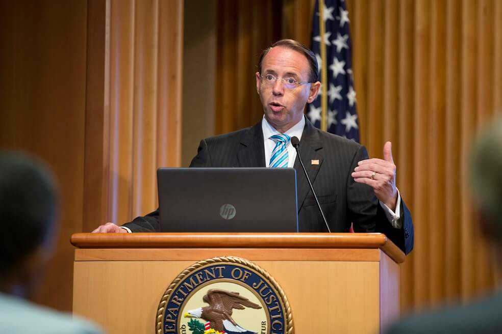 Dimite vicefiscal general de Estados Unidos, Rod Rosenstein