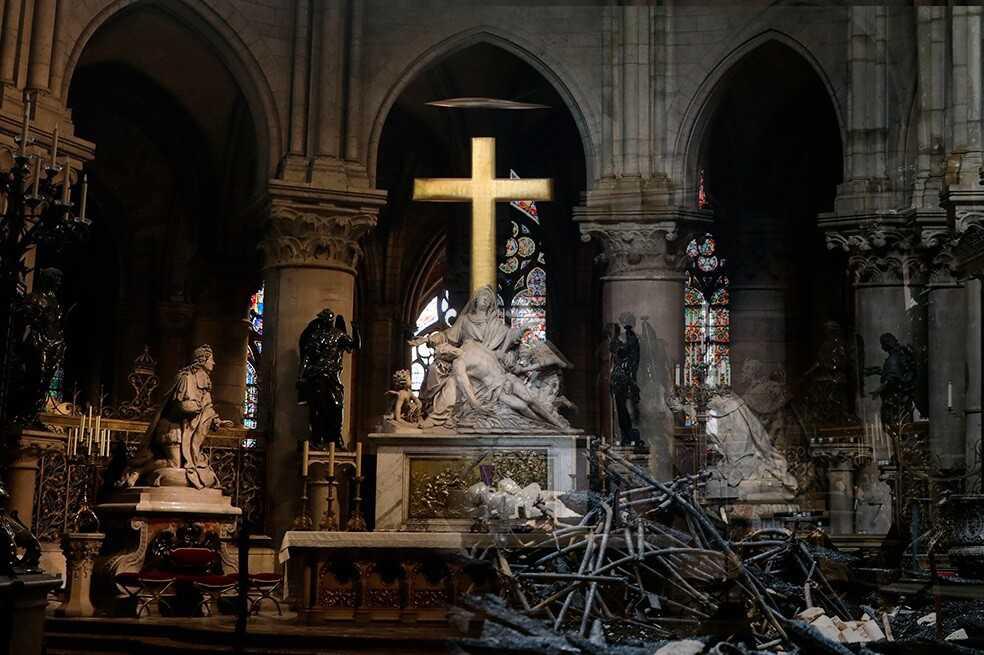 El antes y el después del interior de la Catedral de Notre-Dame