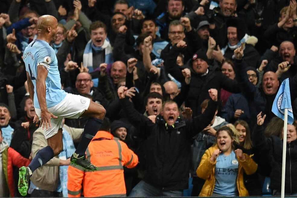 Manchester City venció al Leicester y acaricia el título de la Premier