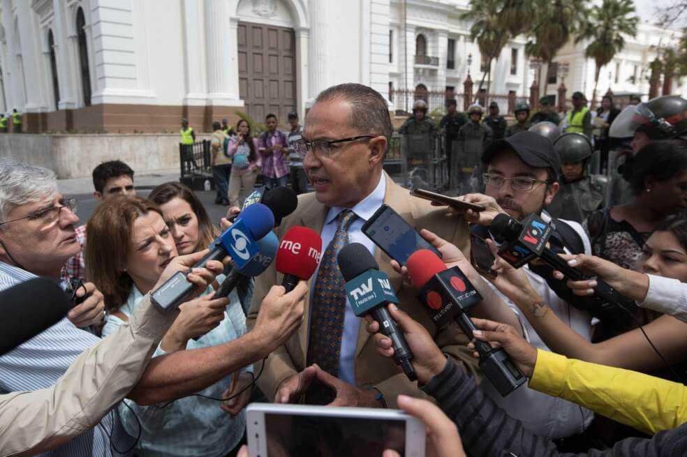 Tribunal Supremo venezolano ordena procesar penalmente a seis diputados opositores