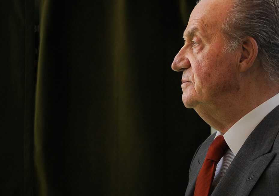El rey emérito de España, Juan Carlos I, se retira de la vida pública