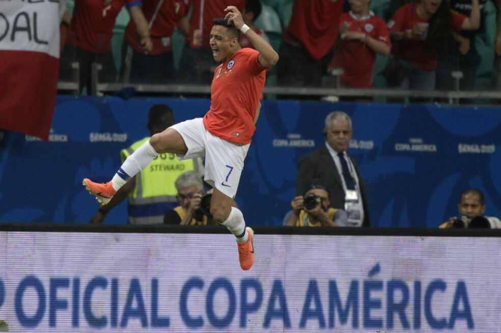 Chile derrotó a Ecuador y aseguró su clasificación