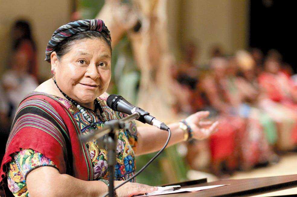Rigoberta Menchú a mujeres colombianas: ustedes tienen el poder