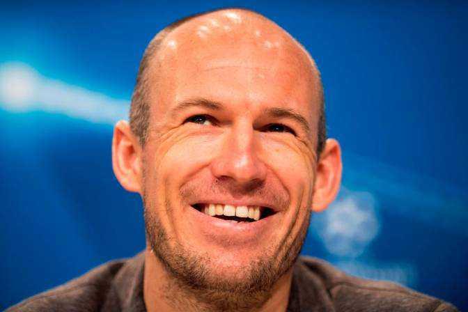 Arjen Robben anunció que se retira del fútbol