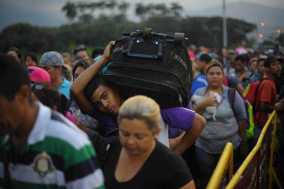 Ecuador emitirá permiso de tránsito para venezolanos con visa a Perú y Chile
