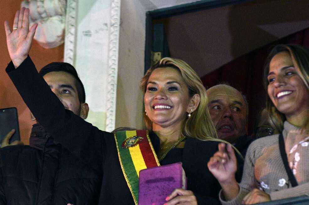 Cancillería de Colombia reconoce a Jeanine Áñez como presidenta interina de Bolivia
