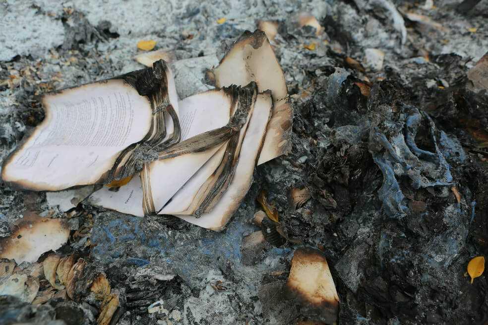 En una biblioteca de China quemaron libros que van en contra del Partido Comunista
