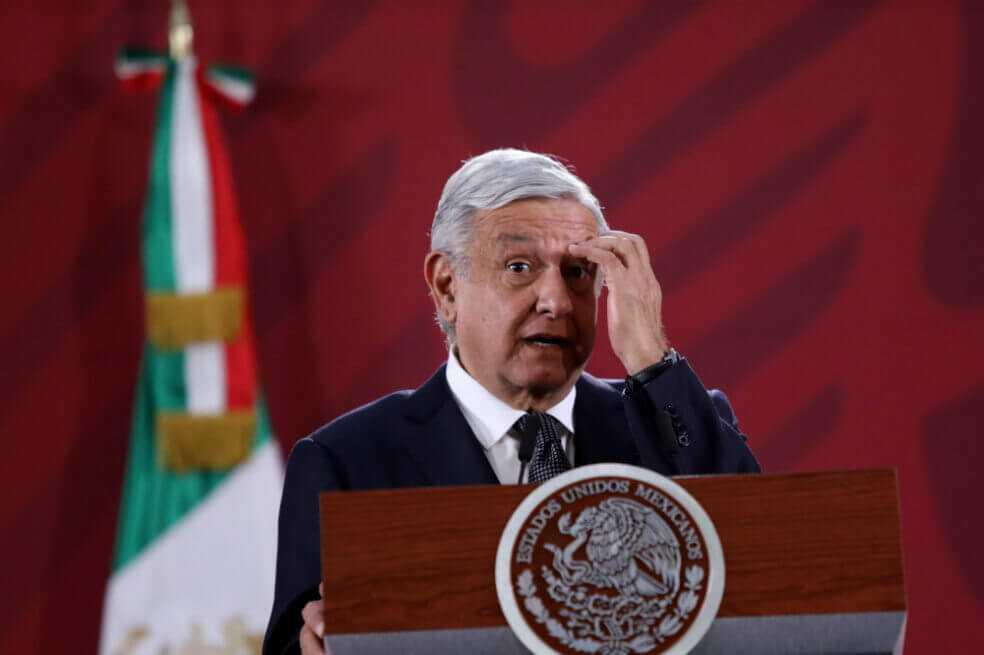 López Obrador dice estar «encartado» con avión presidencial y da estas opciones para venderlo