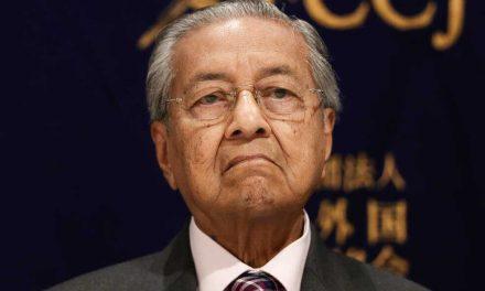 Dimite el primer ministro de Malasia tras tensiones en coalición gobernante
