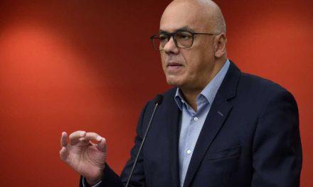 Gobierno de Maduro acusa a Guaidó de simular atentado en su contra