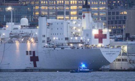 El Comfort, el buque hospital emblema de EE. UU. que no ha podido aliviar a Nueva York