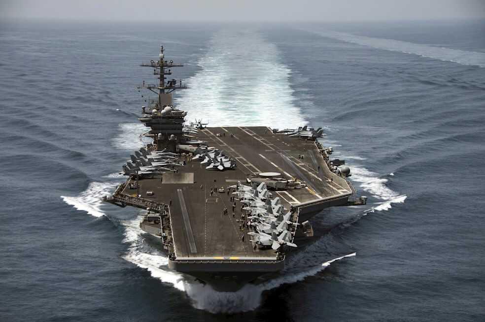 Capitán de la marina de EE.UU. es despedido por criticar el manejo de la crisis del coronavirus