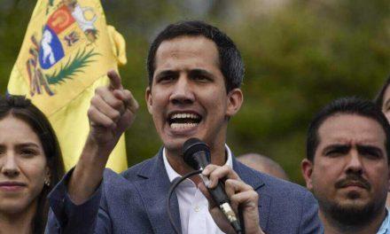 Juan Guaidó anuncia bono de 100 dólares para sector médico en Venezuela