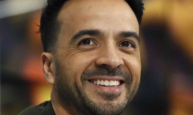 Luis Fonsi, primer latino invitado como juez al concurso de televisión «Songland»