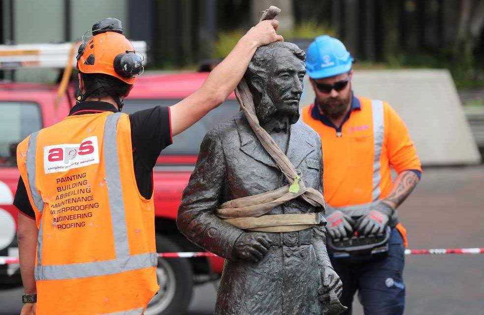 Nueva Zelanda también empieza a retirar sus estatuas por protestas contra el racismo