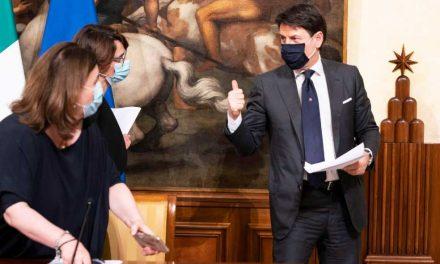 El primer ministro italiano responde ante la Fiscalía por su gestión durante la pandemia
