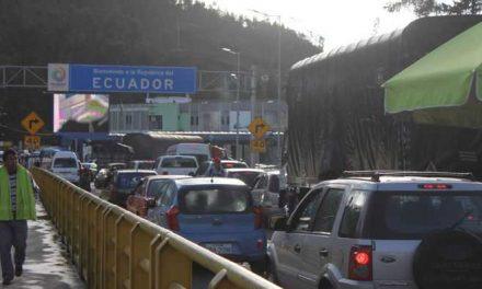 Colombia y Ecuador flexibilizan circulación de vehículos en la frontera