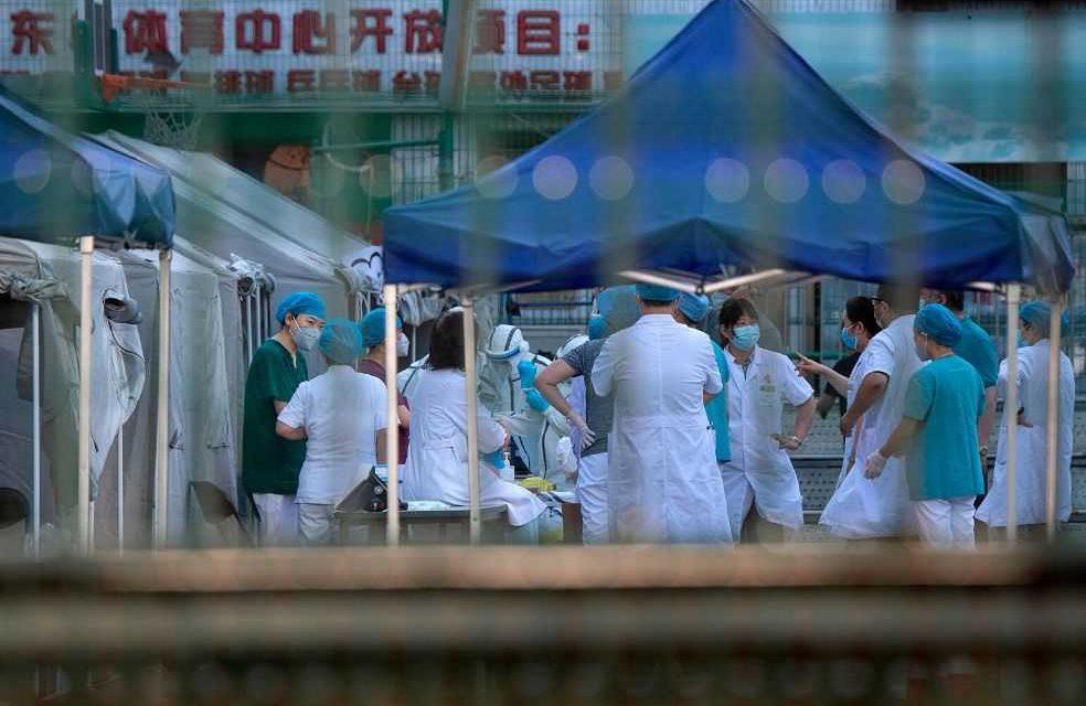 Pekín aumenta el nivel de emergencia por rebrote de coronavirus