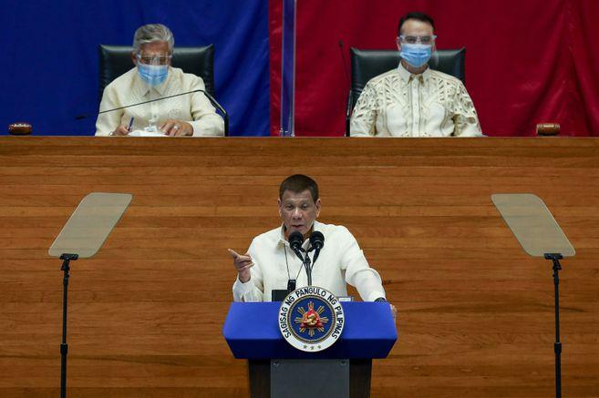 En medio de críticas, Duterte defiende la gestión del gobierno filipino durante crisis sanitaria
