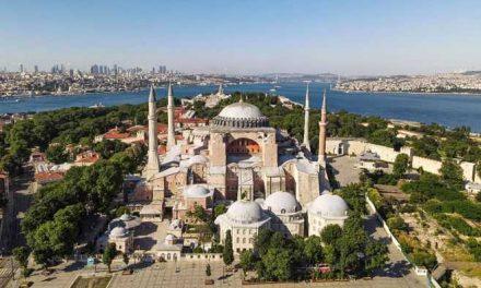 La polémica detrás de la conversión del museo de Santa Sofía a mezquita en Turquía