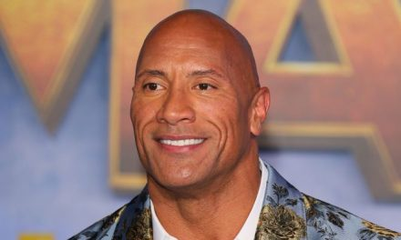 "Dwayne ""La Roca"" Johnson dice que tuvo COVID-19: ""Usa tu tapabocas, funciona"""