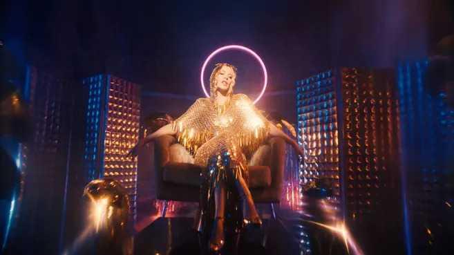 """Kylie Minogue lanzó el sencillo """"Magic"""""""
