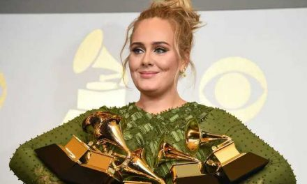 """Adele reaparecerá en los medios como presentadora de """"Saturday Night Live"""""""