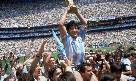 Diego Maradona: A'D10S'