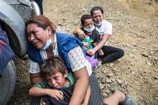 Las razones por las que miles de hondureños se unen a las caravanas migrantes