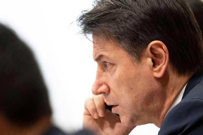 El primer ministro italiano renunció tras perder su respaldo político, ¿y ahora qué?