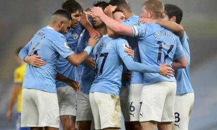 Manchester City sufrió, pero derrotó Brighton en la liga inglesa