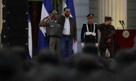 Nayib Bukele y los militares, una relación cuestionada por Human Rights Watch