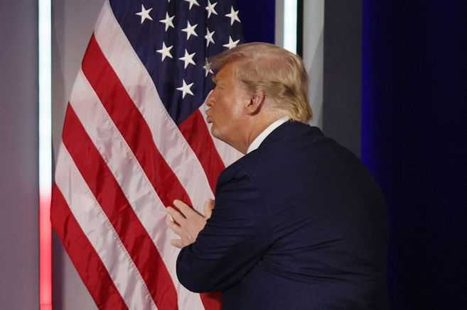 Trump reaparece en público y dice que no creará un tercer partido