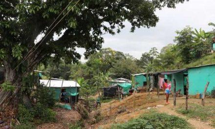 La vida en un barrio de migrantes en el corazón del conflicto en el Catatumbo
