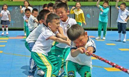 China autorizará tres hijos por familia