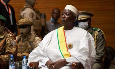 Golpe de estado en Malí: Presidente y primer ministro de transición renunciaron