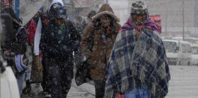 Una ola de frío en Sudamérica deja al menos 22 muertos y escenas insólitas