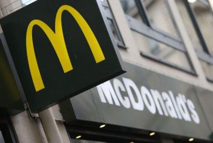 Dos muertos a tiros tras discusión en fila de un McDonald's en Canadá