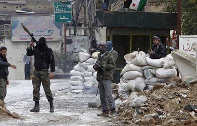 Más de 215.000 muertos en cuatro años de conflicto en Siria (ONG)