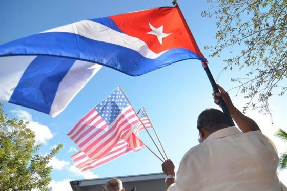 Cuba merece indemnización por bloqueo de EE.UU.: Presidente de Ecuador