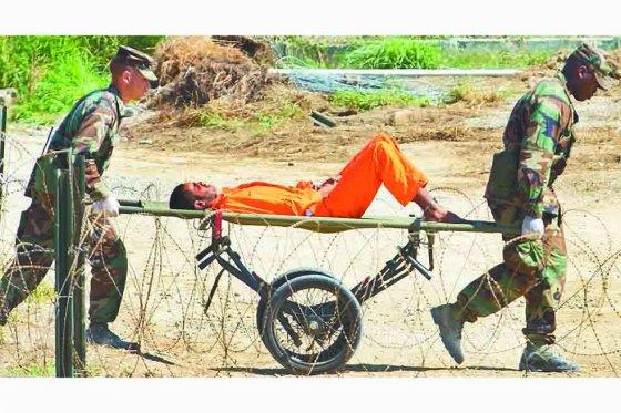 En la oscuridad de Guantánamo