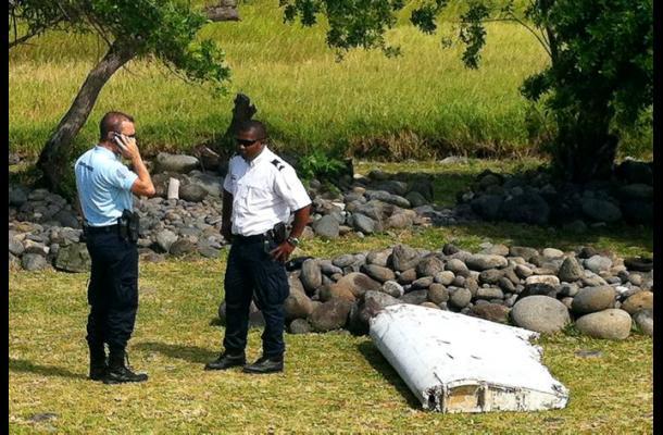 Resto de avión encontrado en isla del Índico relanza el enigma del vuelo MH370