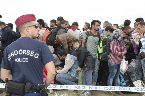 Una nueva ola de refugiados llega a la frontera sur de Hungría