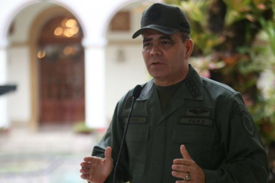 'Jalón de orejas' de Maduro a su ministro de Defensa por violación de espacio aéreo colombiano